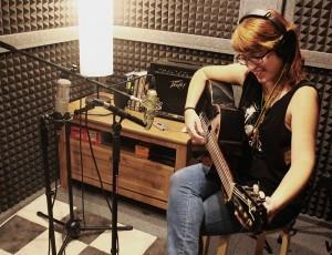 Paula de Alba grabando su primer disco