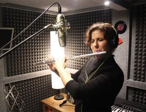 Trinidad Jiménez grabando para la nueva producción de Julian Woodcock