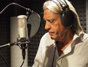 El Cantautor Luis Pastor grabando en Casa Sonora