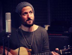 Videoclip de la canción De Madrid Hasta Allá de Fran Ruiz Barlett