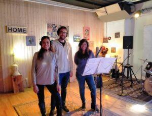 Parte del elenco del musical El Rey León grabando en Casa Sonora para una nueva producción